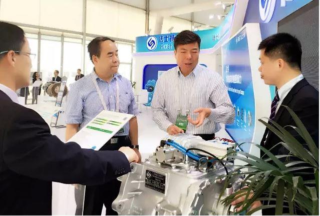 法士特11款传动系新品精彩亮相2016北京国际车展今日开幕
