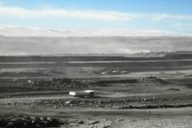 中国重汽60辆70矿山霸王开上青藏高原